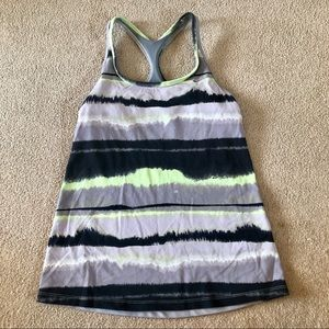 EUC   Nike Workout Tank Top With Built In Bra